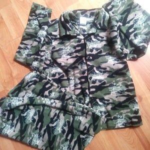 Joe Boxer Boys. Camouflage pj set size 10\12